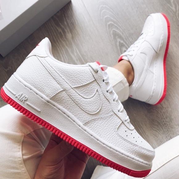 Nike Sportswear AIR FORCE 1 07 Sneaker low whitesolar